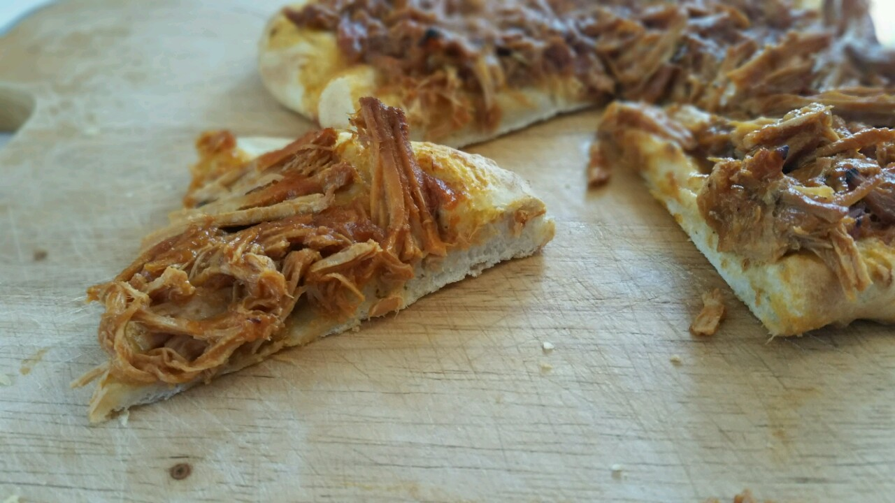 Pizza-mit-pulled-pork